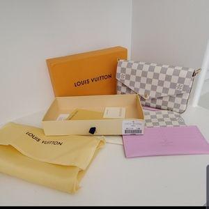 Louis Vuitton crossbody bag gorgeous
